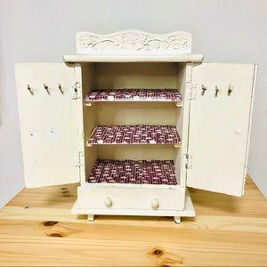 UO Vintage Style Jewelry Box